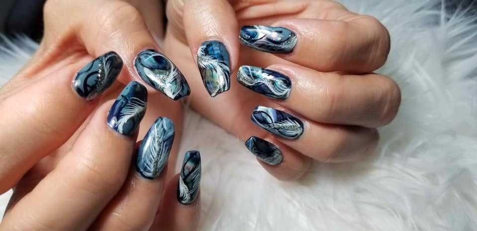 Nails Uptown & More